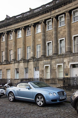 Royal Crescent, Bath (Billy Wilson Photography) Tags: 2019 adventure biketour cars cycling europe items royal crescent bentley continental gt uk united kingdom england somerset georgian architecture historic city