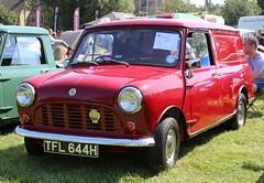 TFL 644H (Nivek.Old.Gold) Tags: 1969 morris mini 850 van