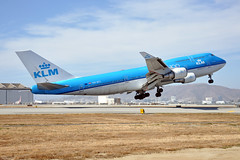 PH-BFL (Rich Snyder--Jetarazzi Photography) Tags: royaldutchairlines klm kl boeing 747 747400 747406 b747 b744 phbfl takeoff departure sanfranciscointernationalairport sfo ksfo millbrae california ca airplane airliner aircraft jet plane jetliner jumbojet airside