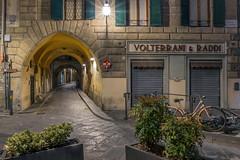 Piazza del Pesce (explr) (anj_p 2.5m) Tags: firenze piazadelpesce italy night florence italia bikes tuscany narrow emptystreets travel