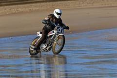 J78A0110 (M0JRA) Tags: mabelthope beach racing moterbike bikes engine sand sea waves people riders spray