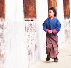 Bhutan Student (ROSS HONG KONG) Tags: school student bhiutan gangtey rural tradition leica m8 noctilux50mm 085 50mm flickrdiamond