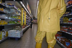 Guy Cotten raingear (lulax40) Tags: gummistiefel gummimann gummikleidung gummiregenkleidung pvc hunter gummianzug guy cotten rubberboots rubber rainwear regenkleidung raingear rubberfetish