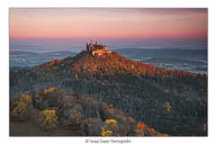 golden Castle (SonjaS.) Tags: badenwürttemberg burghohenzollern castle deutschland germany sonnenaufgang sunrise herbst autumn 24105 canon sonjasayer