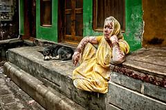 Pongo et Perdita (Vitiligo) (Ma Poupoule) Tags: bénarés bénarès varanasi inde india oldwoman woman people rue femme vieillefemme chien dog street yellow asie asia