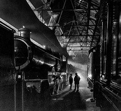 'Lady of Legend' conversation. (photofitzp) Tags: 2999 atmosphere didcotrailwaycentre gwr ladyoflegend nightphotography railways timelineevents stealingshadows