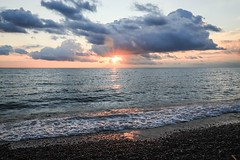 sunrise (Yuki (8-ballmabelleamie)) Tags: illinoisbeachstatepark sunrise sunlight horizon beaches shore summer august manualmode