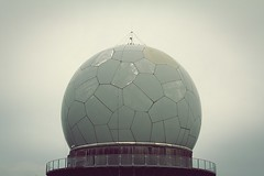 Ohr (StellaMarisHH) Tags: europa rhön kugel überwachung kalterkrieg canon canoneos60d eos60d 60d sigma sigma18200 photoscape wasserkuppe sw bw agfa filter