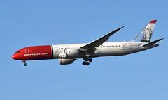 Norwegian LN-LNV, OSL ENGM Gardermoen (Inger Bjørndal Foss) Tags: lnlnv norwegian boeing 787 dreamliner osl engm gardermoen