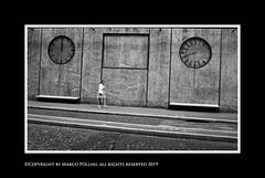 On time? (Pollini Photo Laboratory) Tags: marcopollini polliniphotolabcom fotografiaurbana streetphotography leica leicamp summarit 35mm blackwhite bianconero monocrome paris parigi france
