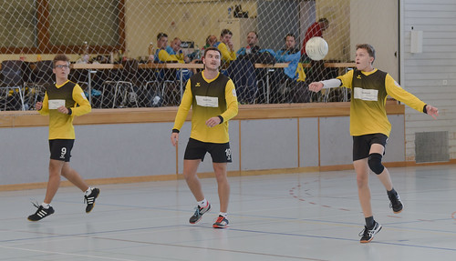 "33. Faustballtunier Waldkirch • <a style=""font-size:0.8em;"" href=""http://www.flickr.com/photos/103259186@N07/48986333403/"" target=""_blank"">View on Flickr</a>"