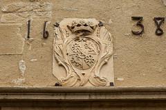 Château de Meyrargues, (jacqueline.poggi) Tags: bouchesdurhône châteaudemeyrargues france journéeseuropéennesdupatrimoine meyrargues provence provencealpescôtedazur architecture castle château châteaufort forteresse fortifiedcastle fortress blason coatofarms