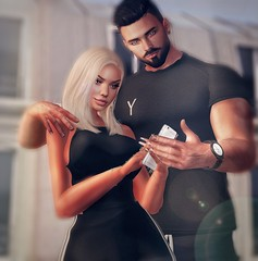 [ 📷 - 140 ] (insociable.sl) Tags: models beard black message technology phone smartphone male boy man female woman girl friends edit sl secondlife