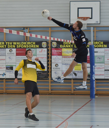 "33. Faustballtunier Waldkirch • <a style=""font-size:0.8em;"" href=""http://www.flickr.com/photos/103259186@N07/48986896411/"" target=""_blank"">View on Flickr</a>"