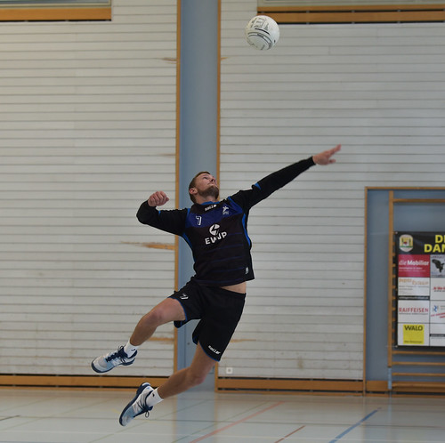 "33. Faustballtunier Waldkirch • <a style=""font-size:0.8em;"" href=""http://www.flickr.com/photos/103259186@N07/48987089852/"" target=""_blank"">View on Flickr</a>"