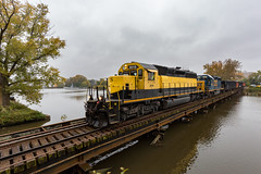 Stone Extra (sully7302) Tags: nysw new york susquehanna western hackensack river bridge yellowjacket emd sd402 csx gp402 4423 stone ballast mow train trains transport autumn bogota jersey uss ling bergen county railroad railway freight