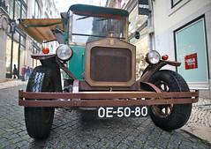 Fleur de Lys (vic_206) Tags: fleurdelys old car coche lisboa lisbon