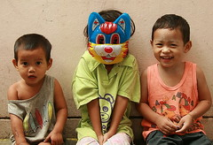 Happy Halloween (the foreign photographer - ฝรั่งถ่) Tags: children mask sitting khlong thanon portraits bangkhen bangkok thailand canon halloween