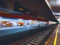 Thalys op snelheid & als doorrijdende trein @ Brussel Noord (Avinash Chotkan) Tags: