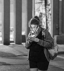 Santiago de Chile furioso (Mario Rivera Cayupi) Tags: streetphotography fotografíadecalle fotografíacallejera streetphotographyinchile sigmaartlens lentesigmaserieart sigma50mmf14 santiagodechile protest protesta angry furia blancoynegro blackandwhite bw canon80d bokeh desenfoque mujer comunicación comunication woman 50mmf14shooter