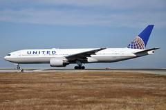 N773UA (Rich Snyder--Jetarazzi Photography) Tags: unitedairlines united ual ua boeing 777 777200 777222 b777 b772 n773ua takeoff departure sfo ksfo sanfranciscointernationalairport millbrae california ca airliner aircraft jet plane jetliner airside