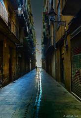 Light at The End... (Alfredo Rafael) Tags: callejones historic buildings alleyway lonely colorful moody barcelona dark atmospheric