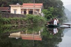 De paseo por el rio (rraass70) Tags: canon d700 rio agua ninbinh deltadelriorojo vietnam