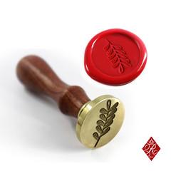 SELLO LOGO (www.omellagrabados.com) Tags: royallacre diy regalosoriginales regalosbonitos regalospersonalizados sellospersonalizados sellodelacre scrapmolonquellevamogollon waxseal waxing waxstamp sellosdelacre sellosdecera