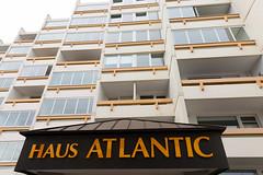 Romantisches Hotel Atlantic (Rasande Tyskar) Tags: cuxhaven germany north sea nordsee street streetview building haus alt old hotel beton atlantik