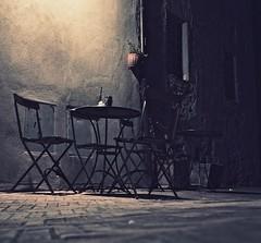 Caffe Nocturne (Professor Bop) Tags: professorbop drjazz olympusem1 pienzaitaly tuscany restaurant cafe bar caffe nocturnal table chairs sidewalk night shadows nocturne mosca