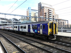 150275 Leeds (Beer today, red wine tomorrow.....) Tags: class150 dmu northern