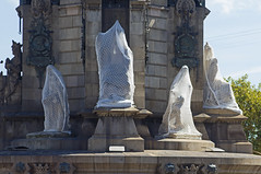 protected - Columbus Monument - Barcelona, Spain - Oct 2019 (Dis da fi we) Tags: protected columbus monument barcelona spain