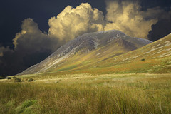 Lake District fell (jrunions1) Tags: fell grasmoor crummockwater lakedistrict england mountain clouds cumbria
