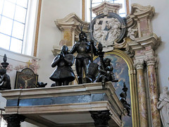 Innsbruck, Dom zu St. Jakob-IMG_2057p (Milan Tvrdý) Tags: innsbruck tirol tyrol osterreich austria domzustjakob stjacobcathedral cathedralofstjames tombofarchdukemaximilianiiiofaustria