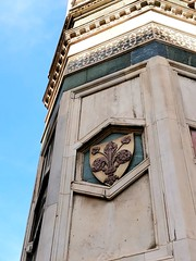 Giglio - the symbol of Florence ❇️ (varshapridhivi) Tags: giglio lily florence florentine firenze italy tuscany europe duomofirenze unescoworldheritage cathedraldisantamariadelfiore