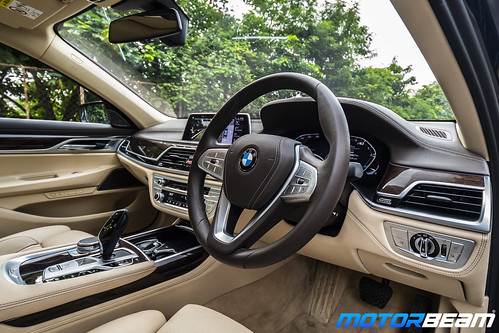 2019-BMW-730Ld-20