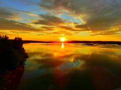 Mitsommer in Rovaniemi (Finnland) (holdinghausenm) Tags: rovaniemi finnland finland suomi midsummer sky himmel cielo ciel travel reisen soulfulmoments skyporn north nirtbound santaclaus nordic sami lappland traveller sun sonne sol sole soleil magicmoments
