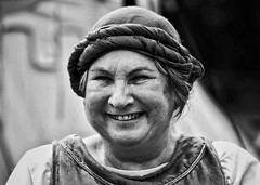 the simple things in life (gro57074@bigpond.net.au) Tags: thesimplethingsinlife september2019 guyclift happy smile f50 70200mmf28 nikkor d850 nikon monochromatic monotone monochrome mono blackwhite bw sydney stivesmedievalfaire stives medieval woman candideyecontact portrait