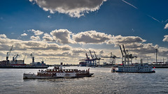 Hamburg-Cruise Days 2019 (Jürgen von Riegen) Tags: hamburg cruise days hafen schiffe wolken wasser elbe blau blue ships clouds harbor lumix panansonicg9 fourthirds micro43 mirrorless outdoors outside fave