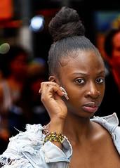 Portrait (D80_546306) (Itzick) Tags: manhattansep2019 nyc candid color colorportrait blackwoman hairstyle longnails streetphotography face facialexpression portrait d800 itzick