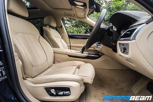 2019-BMW-730Ld-24