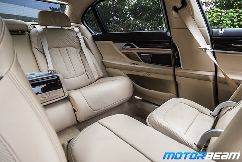 2019-BMW-730Ld-17