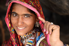 India, beautiful tribal woman in Kutch (Dietmar Temps) Tags: ahir asia asian attractive beautiful beautifulwoman beauty bhuj costume culture ethnic ethnicity face female gujarat gypsy harijan illustrativeeditorial india indian jewelry lady megwal nomadic nomads people person poor portrait poverty pretty rajasthan rannofkutch rural saree sari smile thardesert traditional tribe village young