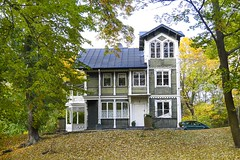 Villa at Långholmen in Stockholm, Sweden 12/10 2019. (photoola) Tags: stockholm låmgholmen höst villa autumn sweden photoola