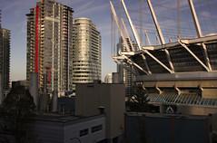 Evening sun in downtown Vancouver (Canada) (herbert@plagge) Tags: vancouver kanada stadt architektur stadion gebäude hochhäuser innenstadt britishcolumbia canada downtown city buildings skyscraper architecture skyline bcplacestadium