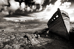 Wreck (albireo 2006) Tags: scotland blackwhitephotos blackandwhite blackandwhitephotos blackwhite bw bn wreck salem isleofmull mull salenwrecks