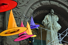 Witch Hats (Trish Mayo) Tags: witch witches witchhat halloween halloweendecorations cobweb spiderweb upperwestside