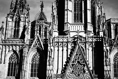 Catedral de Barcelona (KadKarlis) Tags: barcelona spain catalonia travel summer outdoor dark nikon d5300 catedral cathedral black white bw texture old historic architecture