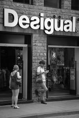 Waiting for her (markusgeisse) Tags: bw black white schwarzweis street geschäft toskana italien florenz