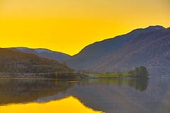 Etne 29. okt.-  19 (bjarne.stokke) Tags: etnefjorden etne hordaland norge norway norwegen noreg solnedgang speiling sunset høst